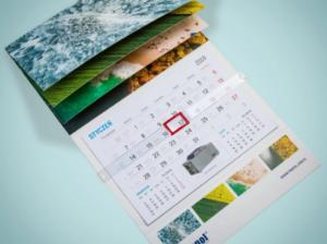 Spiralowana główka kalendarza trójdzielnego